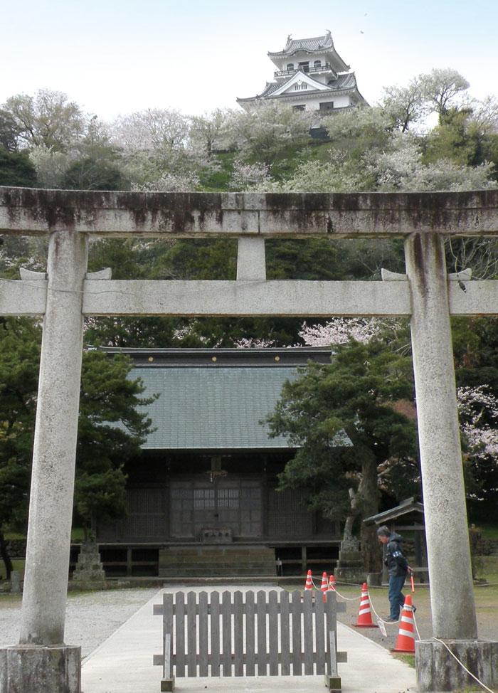 諏訪神社を合祀した館山神社