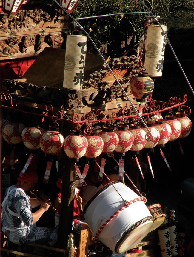 歴史を感じさせる重厚な寺赤の山車
