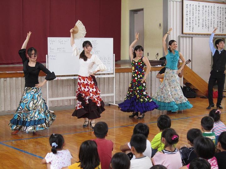 出前フラメンコ(神戸小学校)