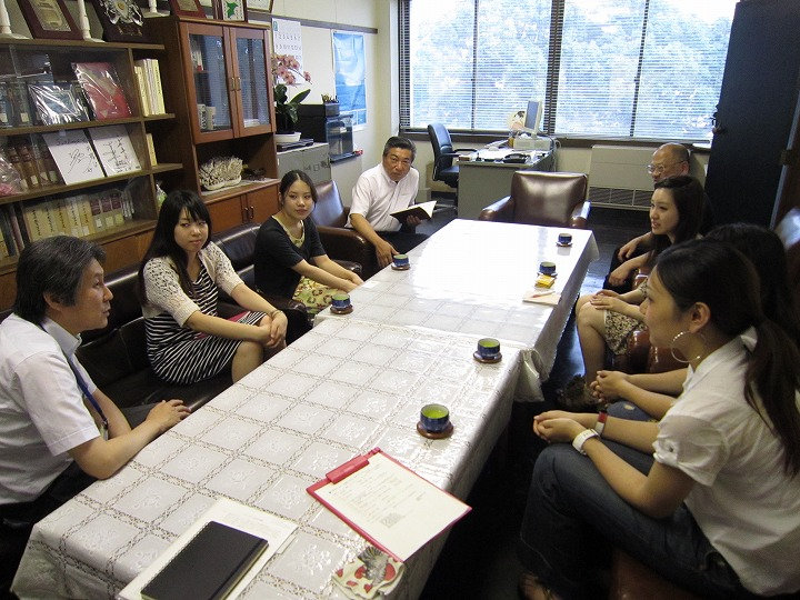 館山市教育長室での会合