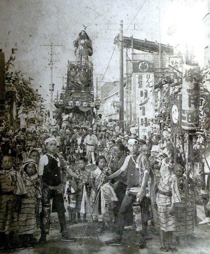 昭和7年の年版南町山車と金棒曳き