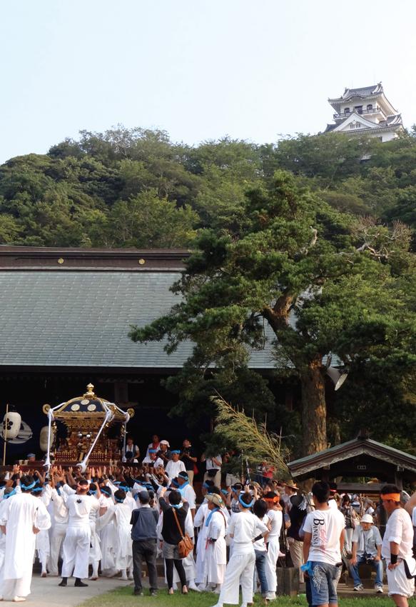 館山神社への入祭