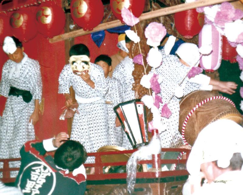 昔の国分祭礼。浴衣姿が懐かしい